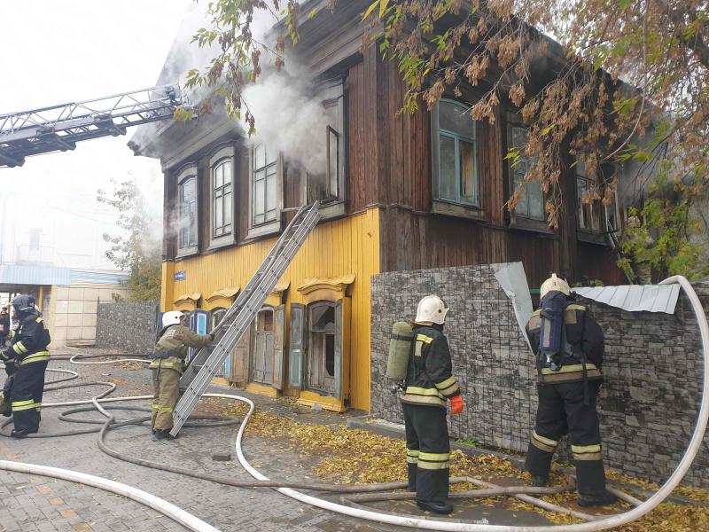 Пожар в расселенном доме на пл. Соляной (5 октября 2020 года)